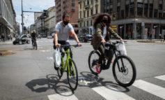 In Lombardia il 72% dei casi. Da oggi le nuove riaperture