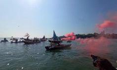 """Mose: protesta antagonisti diventa """"battaglia navale"""""""