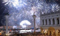 Covid: Venezia annulla fuochi Redentore. Brugnaro dispiaciuto