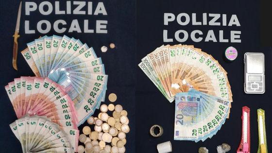 La polizia locale ha arrestato un 21enne per spaccio di sostanze stupefacenti, resistenza a pubblico ufficiale e porto abusivo di armi