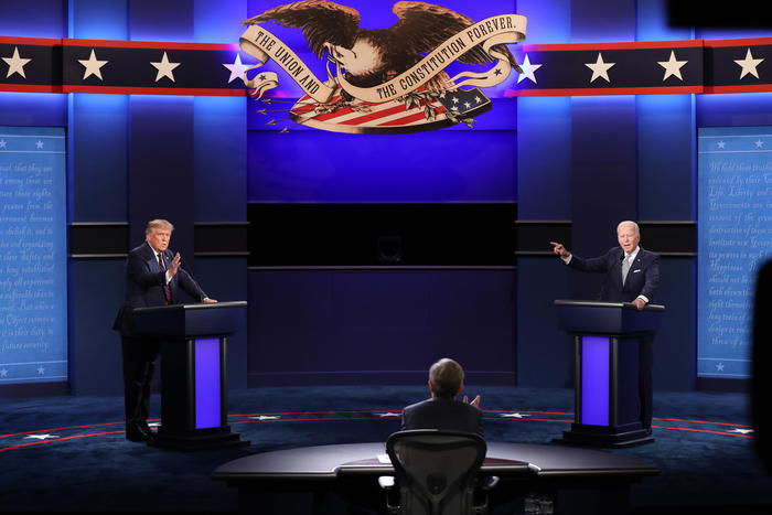 Il duello tv Trump-Biden, tra caos e insulti reciproci