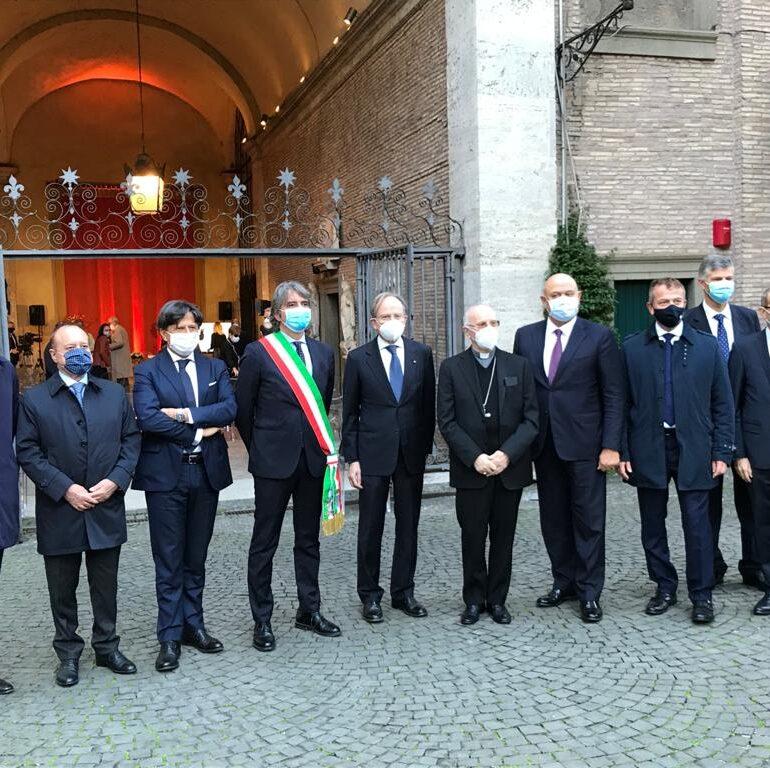 """All'Ambasciata italiana Commemorato Mons. Adriano Vincenzi. Sindaco: """"Occasione per ricordare i valori del Festival della dottrina sociale"""""""