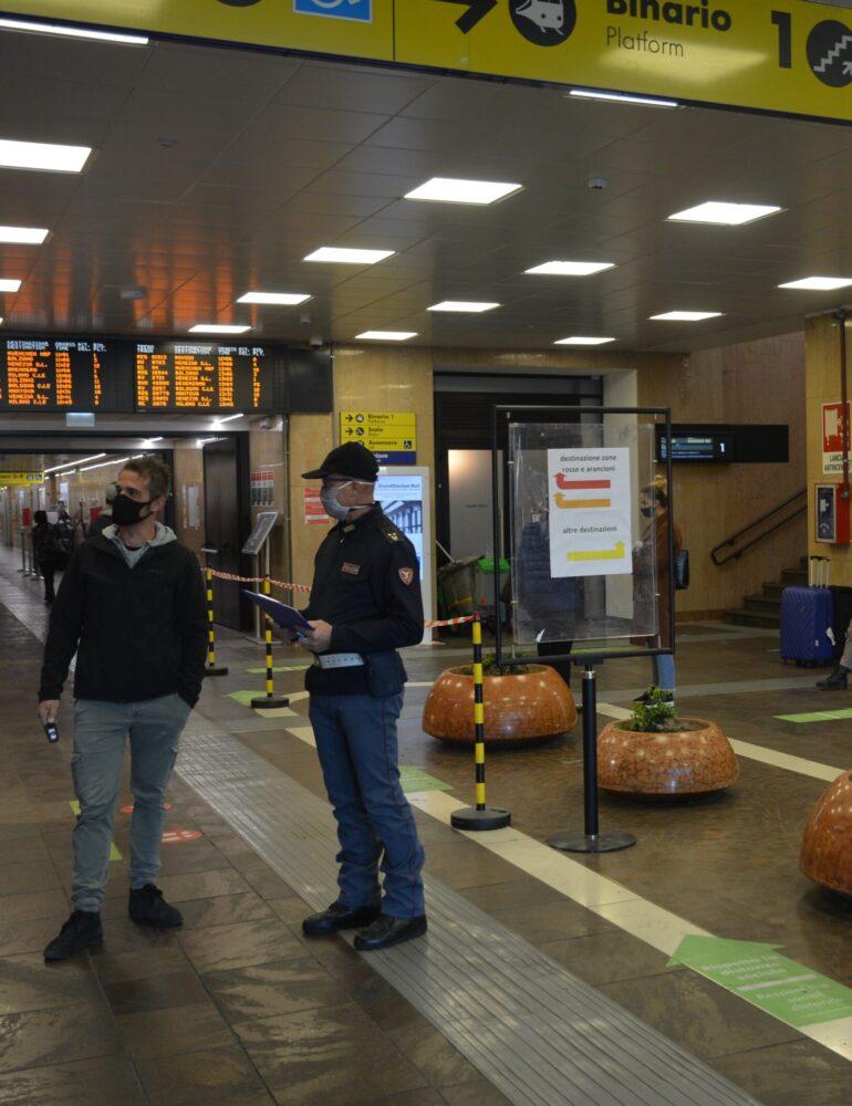 Si presenta per denunciare lo smarrimento della carta di credito ma è ricercato per rapina: arrestato dalla Polizia di Stato nella stazione ferroviaria di Verona Porta Nuova