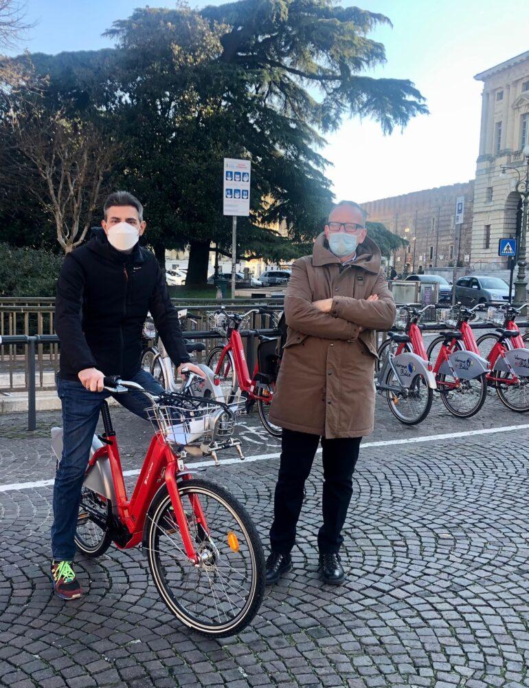 Bike sharing. Ampliamento del servizio con 150 biciclette elettriche nelle 40 stazioni