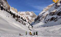 Recuperato senza vita sciatore travolto da una valanga