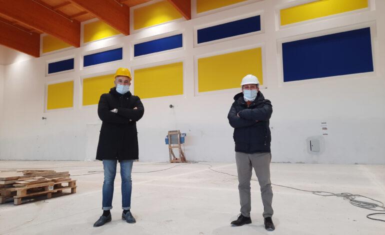 Nuovo palazzetto Le Grazie, migliorato nei mesi di stop allo sport con impianto sonoro e 300 seggiolini sulle gradinate