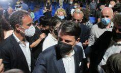 """Giuseppe Conte a San Giovanni Lupatoto, """"Ritornerò perché non sono qui solo per la campagna elettorale"""""""