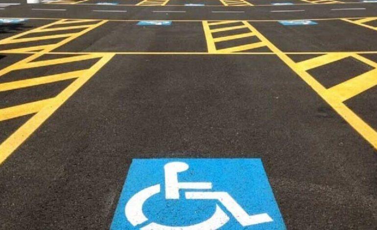 Raddoppiate le sanzioni per chi occupa i parcheggi per disabili